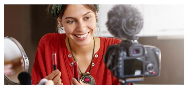 Przewodnik dla MŚP po marketingu wideo w serwisie YouTube
